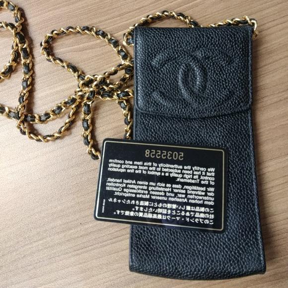 promo code 875b1 5e2b3 CHANEL Vintage Caviar Cell Phone Case Messenger Bl